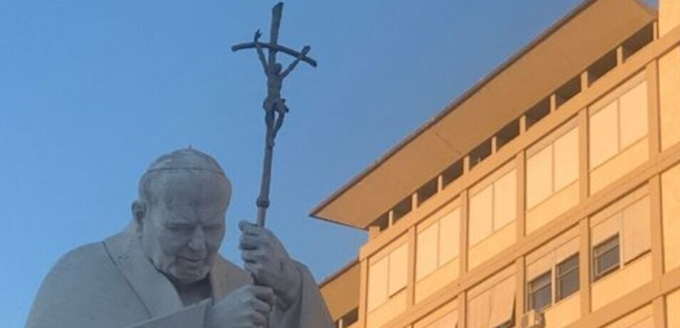 Pope Able to Lead Angelus After Surgery