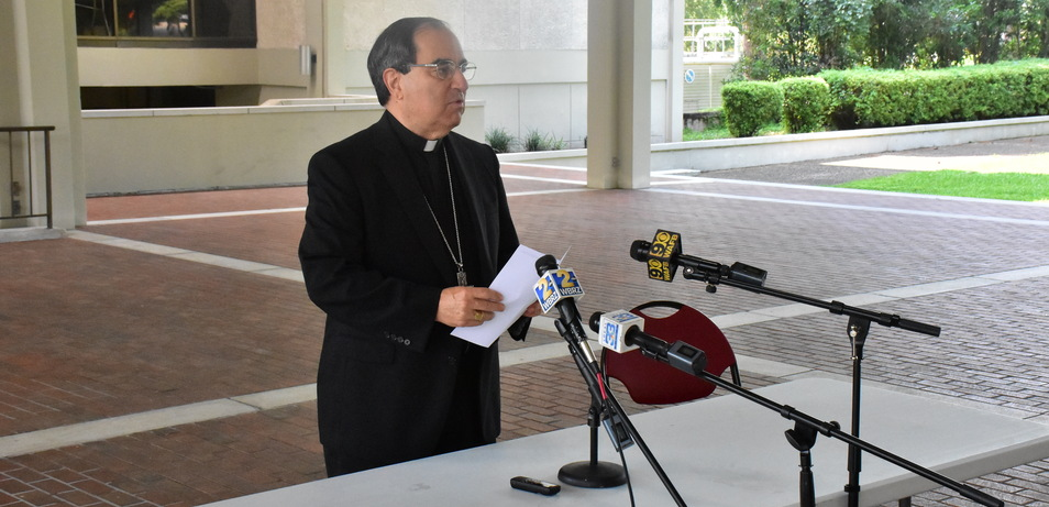Bishop Duca Issues Mask Guidelines forAttending Mass