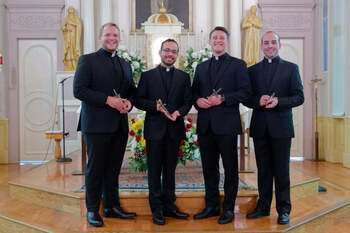 Mobile's Seiter professes first vows