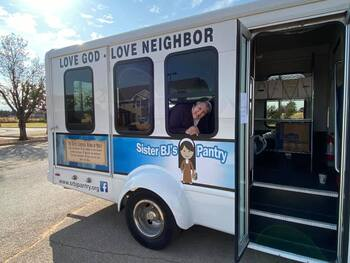 Nun's meal ministry takes mobile route