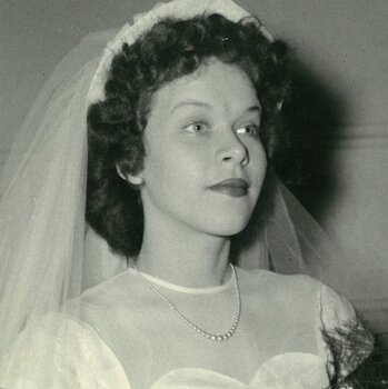 """Dolores """"Dee"""" Crowell, June 25, 1930 – February 15, 2021"""