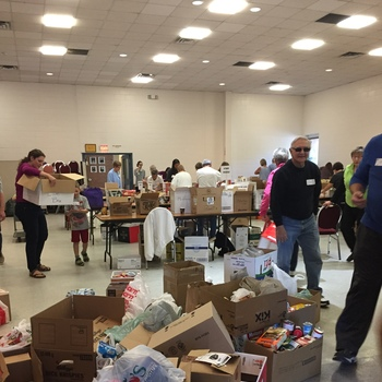 See Photos from the Big Blue Box Food Drive 2017!