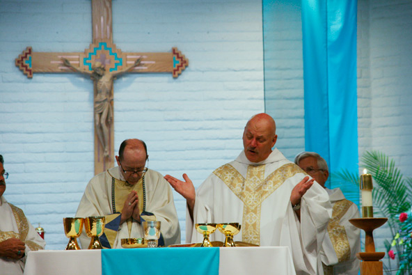 Phoenix parish marks 40 years of ministry