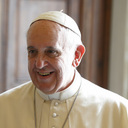 Pope Francis writes to families, asks for prayers for upcoming synod