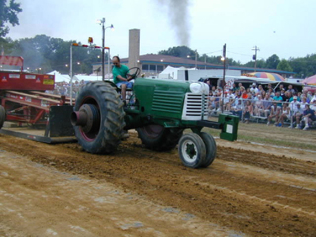 Tractor Pull at the Ox Roast Fair