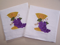 Chalice Palls with embroidered grapes and chalice with plexi-glass insert