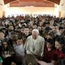 Mercy Friday: Pope surprises students rehearsing after school