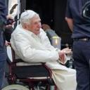 08.03.2020 German author says retired Pope Benedict is 'extremely frail'