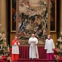 Pope at Urbi et Orbi: Christmas reminds us we are all united as brothers and sisters