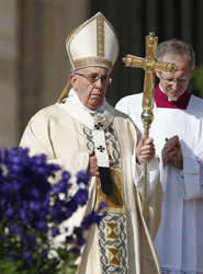 Reconcile with God, resurrect hope in others, pope urges at Easter