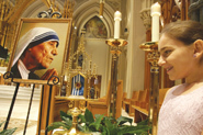 Hundreds gather at cathedral to commemorate St. Teresa's canonization