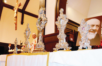 Thousands view St. Padre Pio relics at St. Thomas More