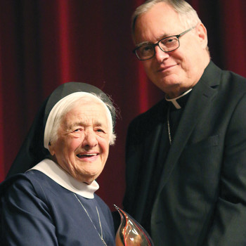 1,000 strong in attendance at fifth annual Lumen Gentium Awards banquet