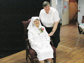 Sister D'Agostino receives papal blessing in honor of 105th birthday