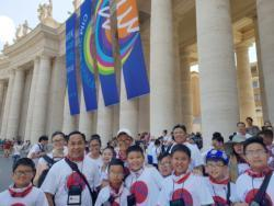 U.S. altar servers bring tradition, heritage to Rome