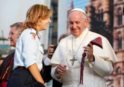 Pope prays for young people, their diligence and courage