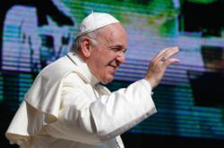 Christian community a place of welcome, solidarity, pope says
