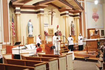 Catholic Medical Society celebrates Mass for health care workers