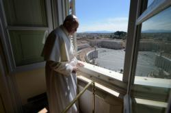 Jesus gives strength to face the unexpected, pope says