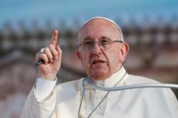 U.S. Catholic media must inspire unity amid division, pope says