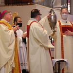 Holy oils blessed at Chrism Mass
