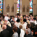 Hundreds laud Bishops Rueger at funeral Mass Saturday