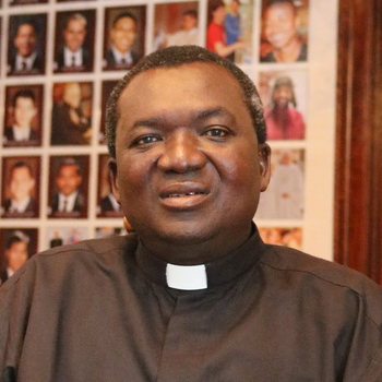 Ghanian priest spends sabbatical here