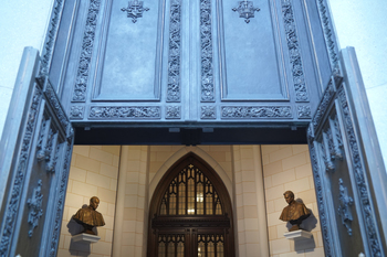 CURRENTS NEWS - Papal Busts Installed at St. Patrick's Cathedral