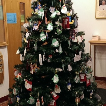 "Cub Scout ""Giving Tree"""