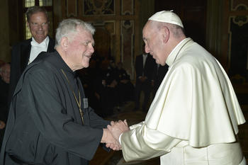 SUBIACO ABBEY NEWS: Abbot Leonard greets Pope Francis